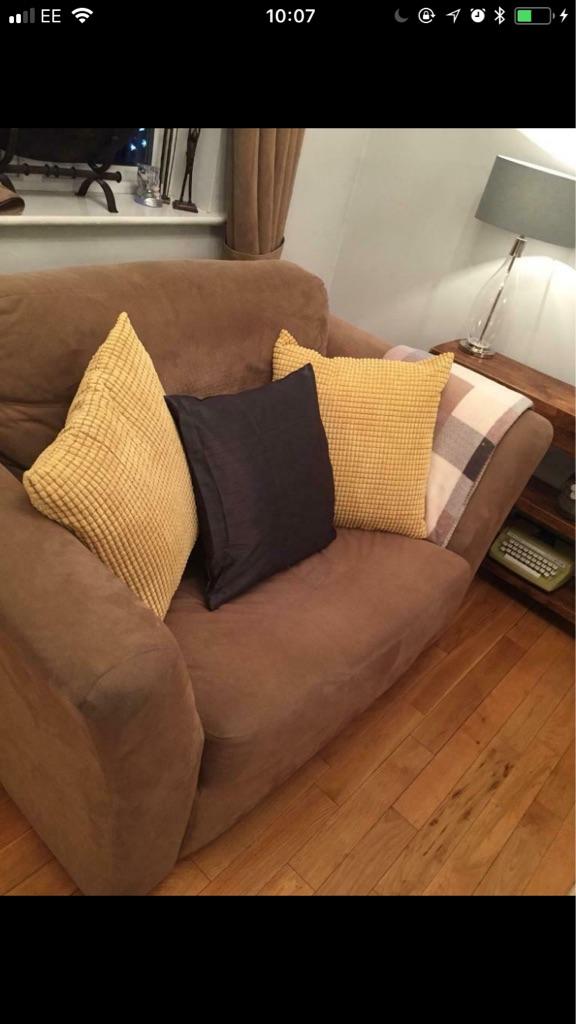 4 seater sofa and love sofa