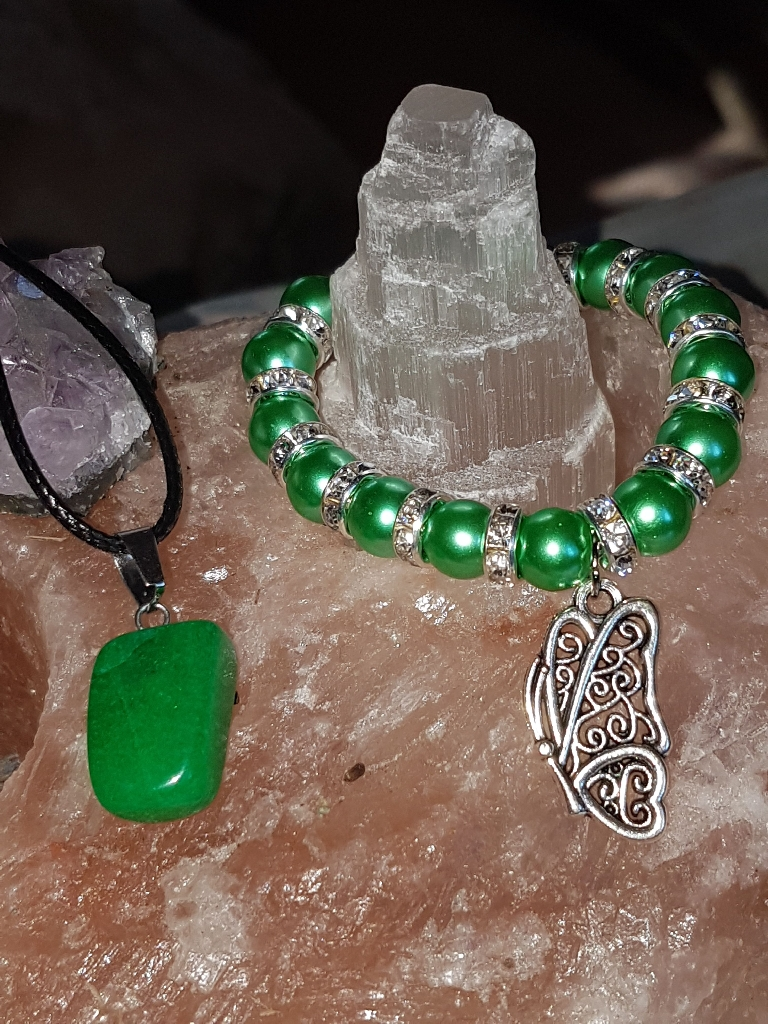 Emerald green Crystal and braclet set