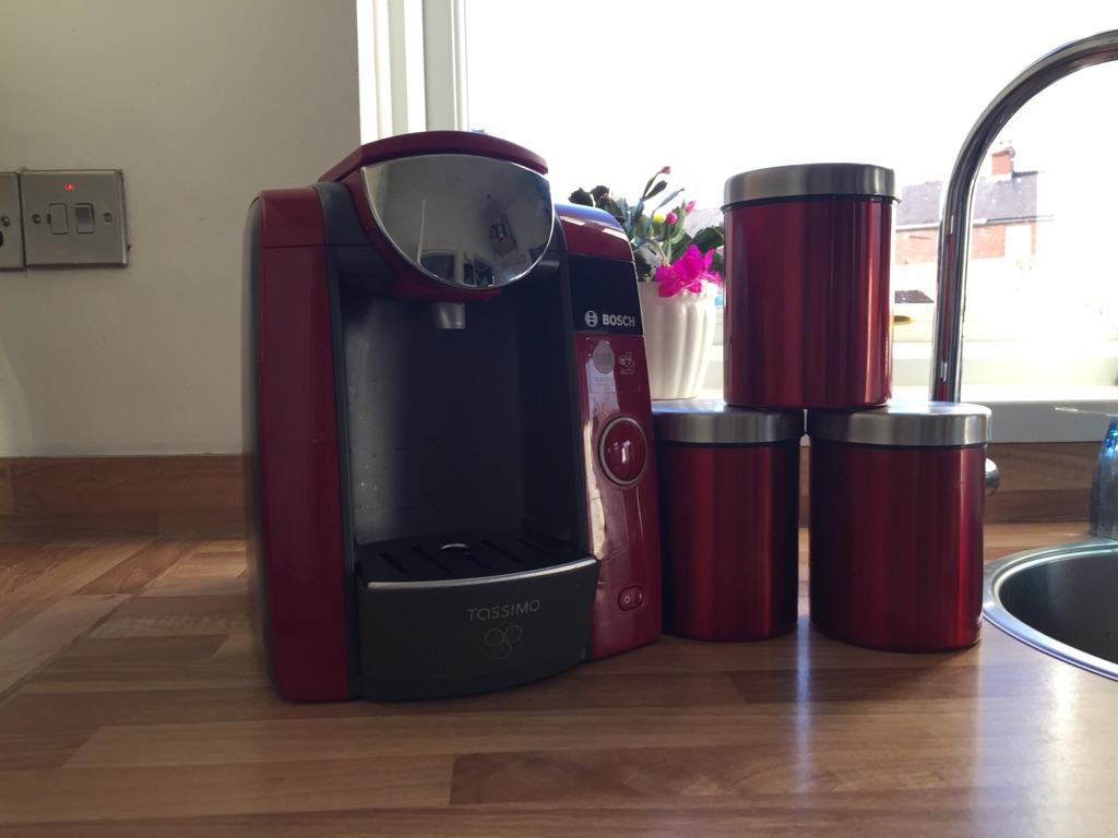 Bosch Coffee Maker & Condiments