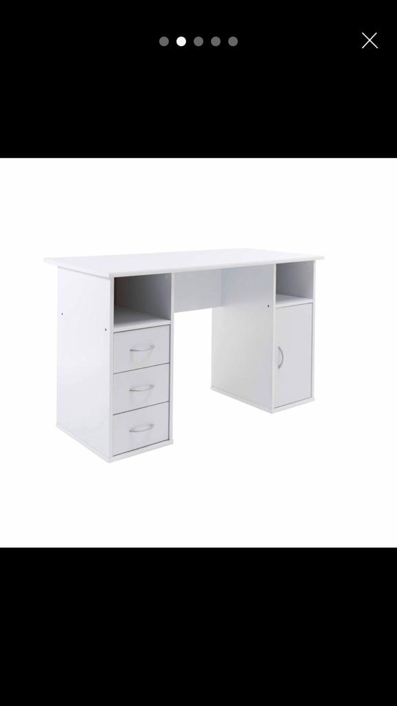 Office desk/office table
