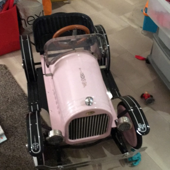Kids tin car