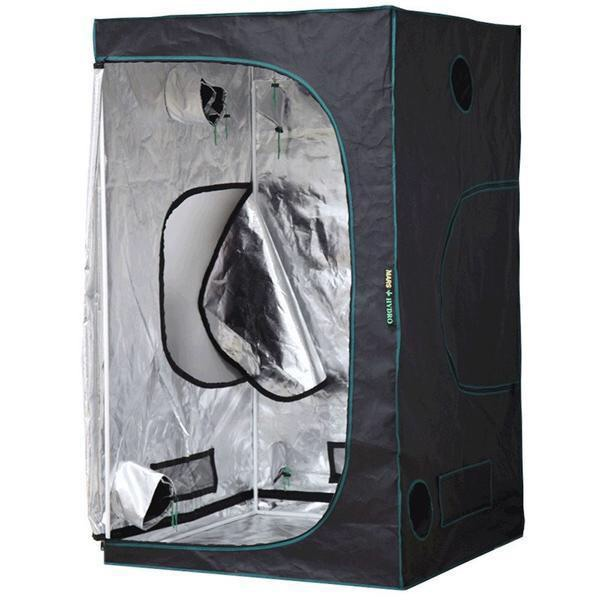 4x6 grow tent W/peep window