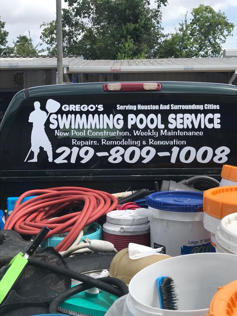 Pool men