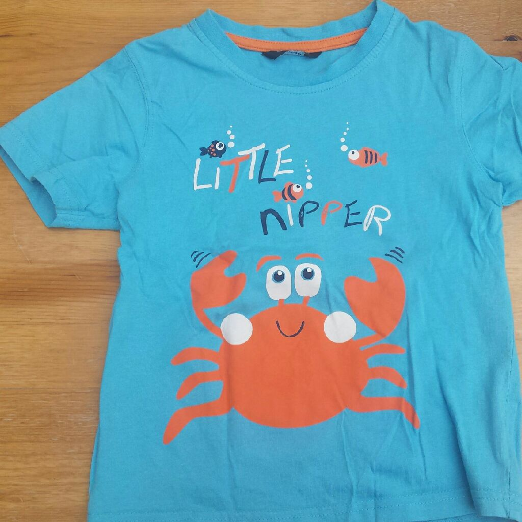 George blue tshirt with crab design 4-5 Years -104-110cm