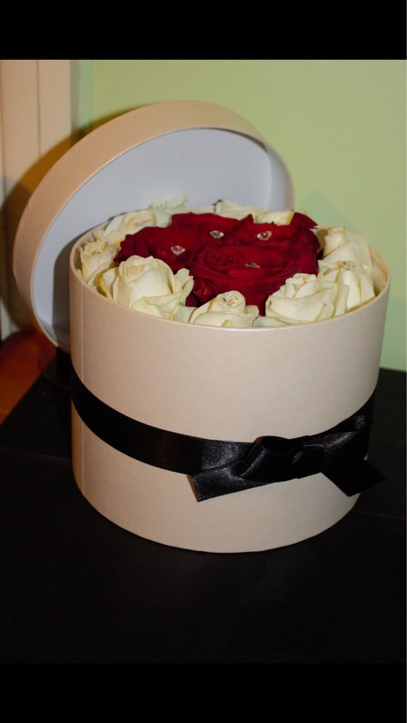 Valentines Flower Hat Boxes