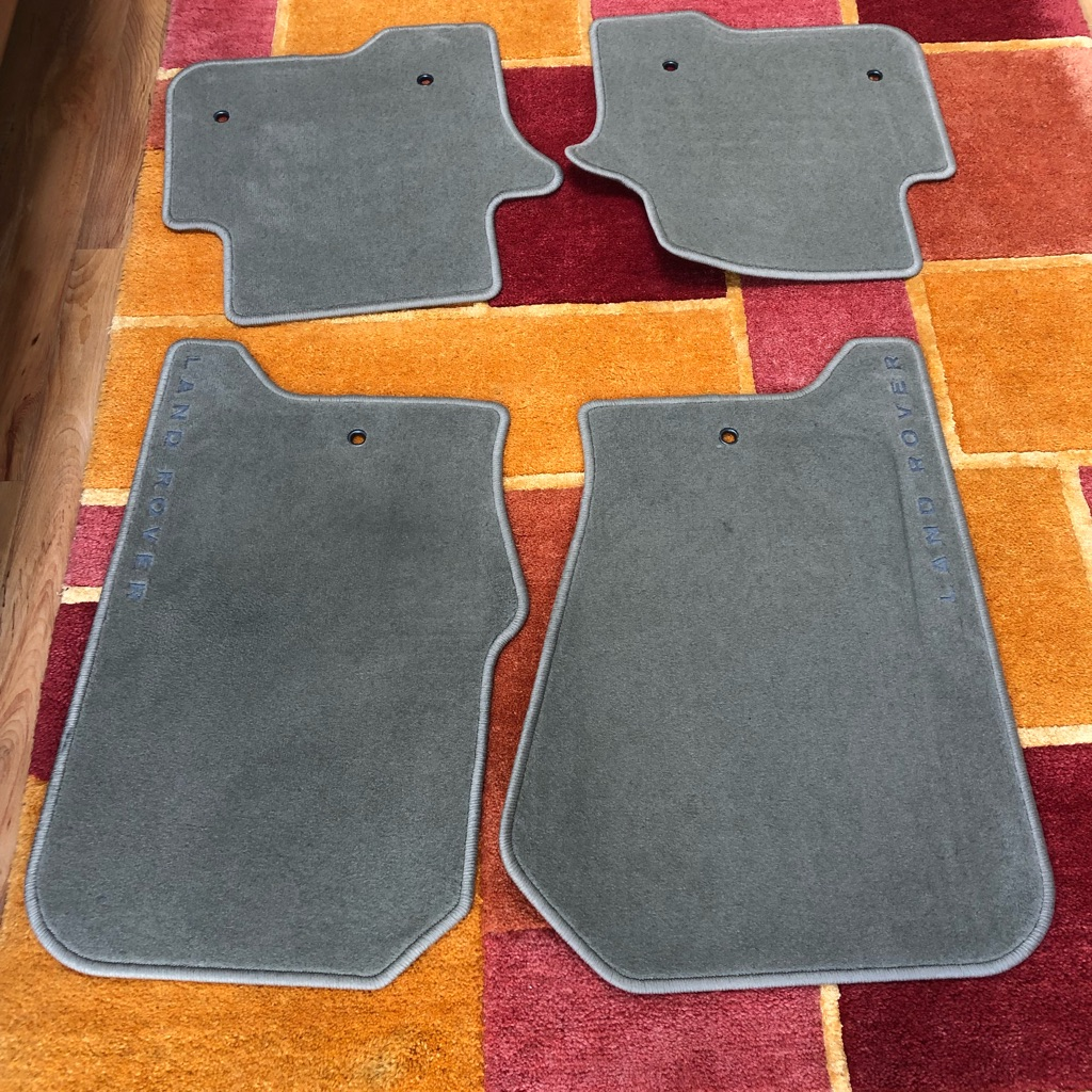 Land Rover Discovery car mats.