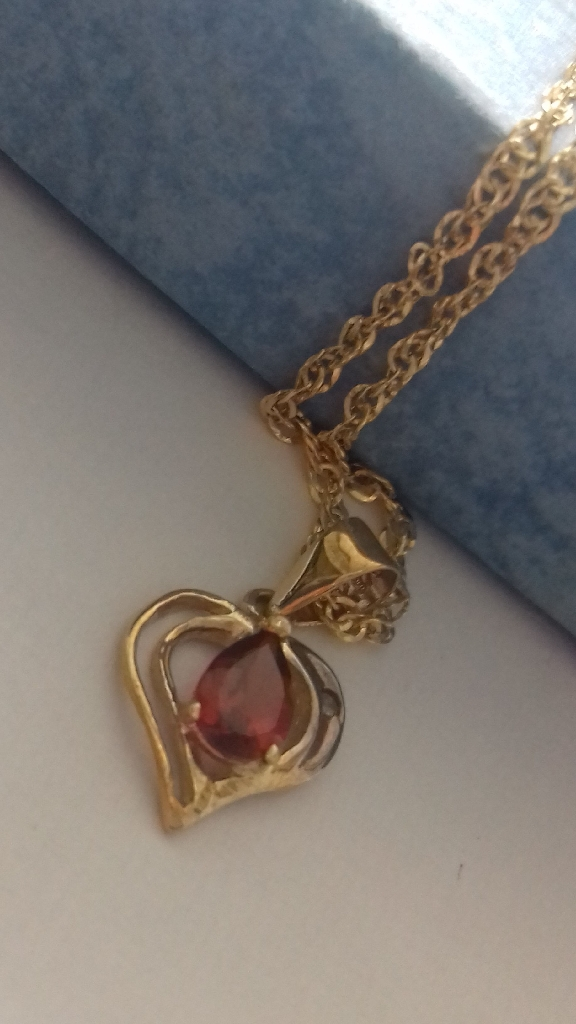 Garnet & Diamond pendant chain