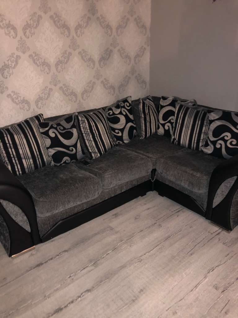 Couch corner two seater an puffy