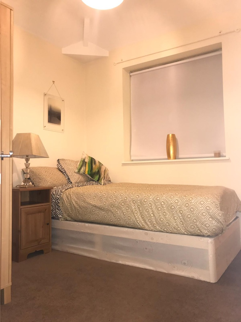 Beautiful double & single rooms in #Bromley