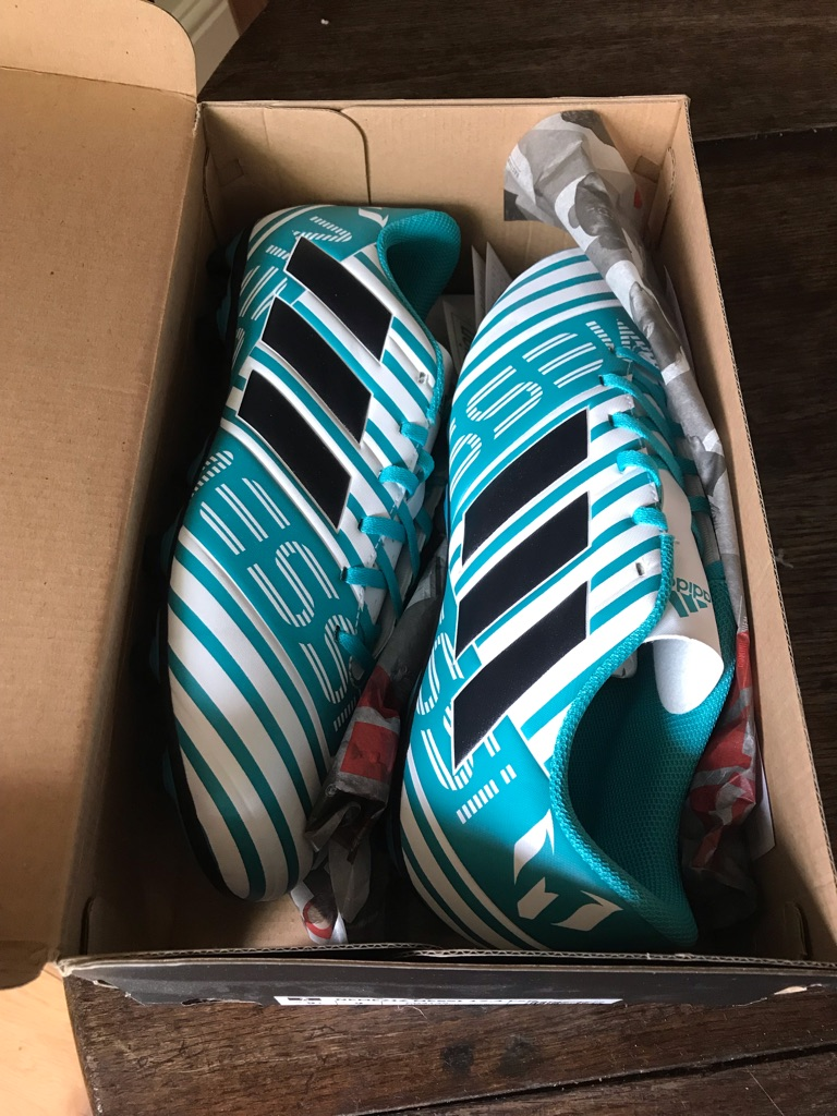 Adidas NEW Men's Turquoise/White Football Boots  Size 9