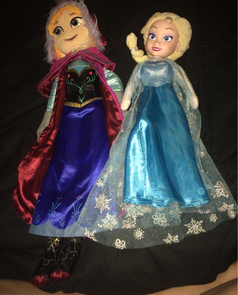 Anna & Elsa plush dolls