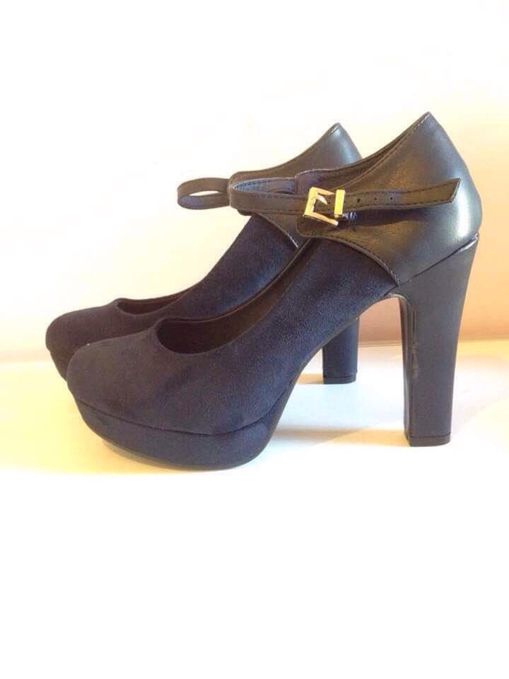Navy block heel strap shoes size 6 brand new in box