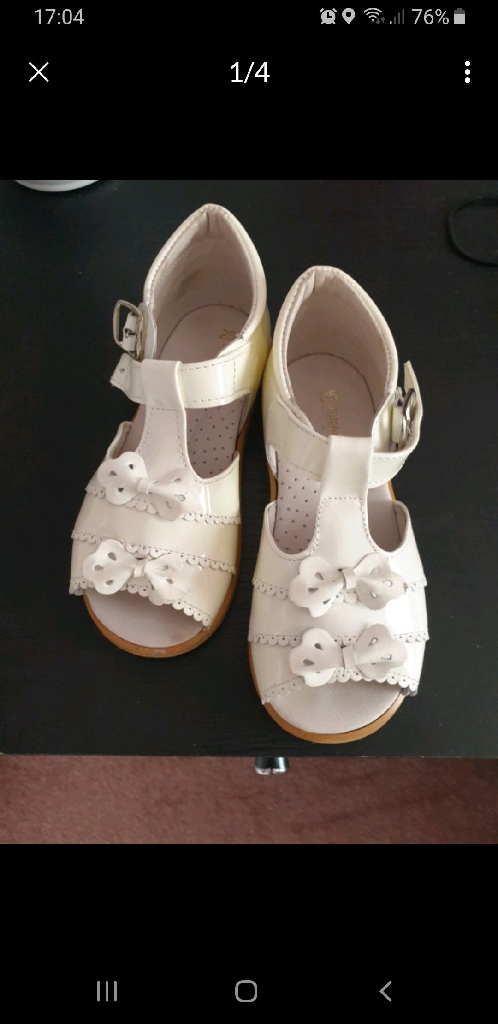 Pretty original cream sandals size 8
