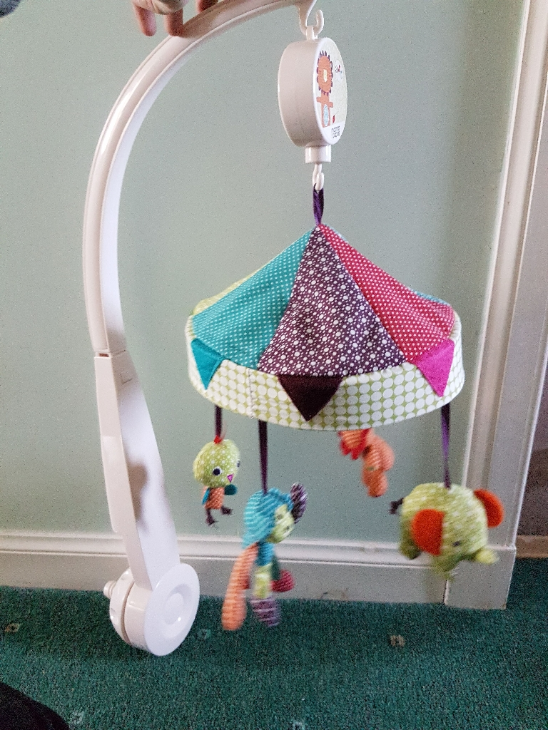 Mama's and Papa's musical cot mobile