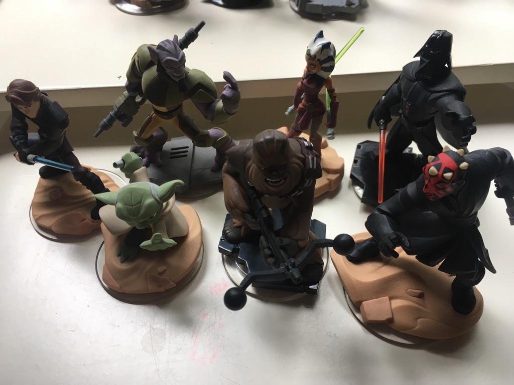 Disney infinity figures