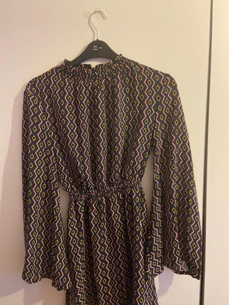 Pretty little thing Flowy dress size 8/10