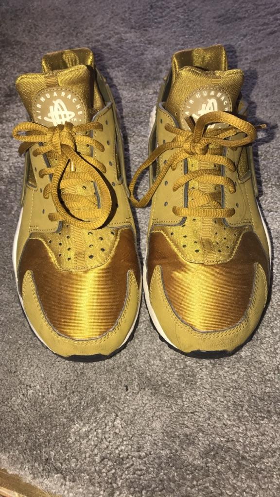 Gold women's huarache