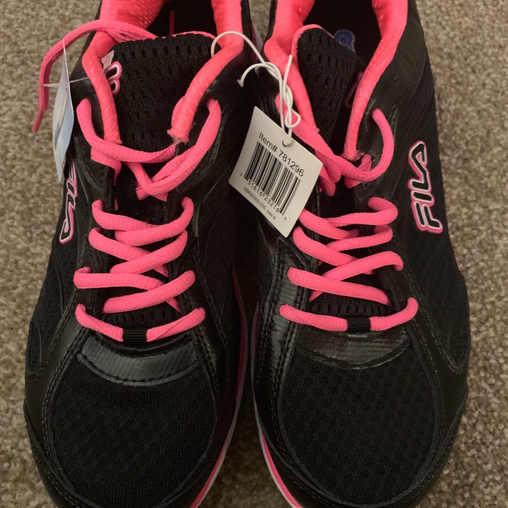 Brand New Ladies Black & pink Fila Trainers. Size 6.5