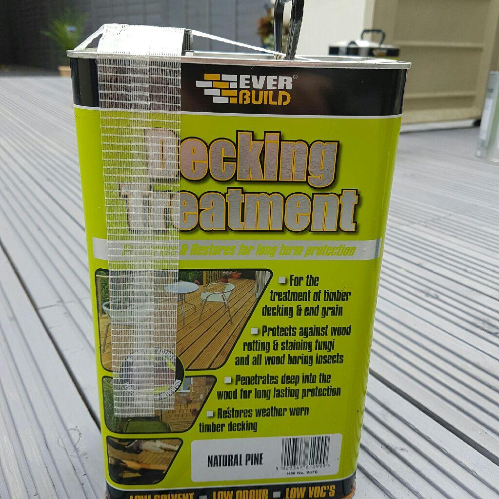 2 tins of garden decking oil