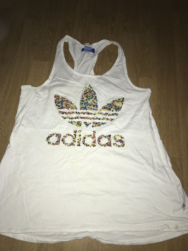 Womans Adidas top