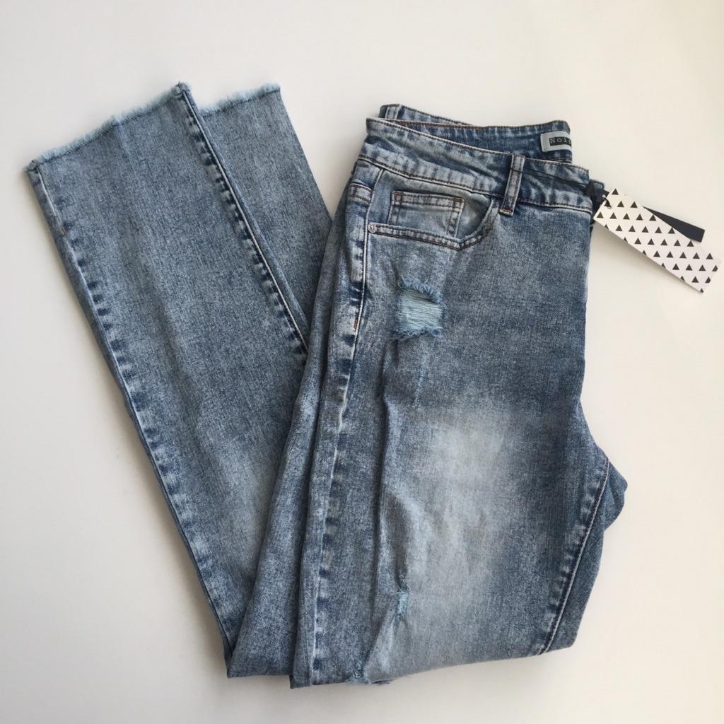 New. Loose Boyfriend jeans