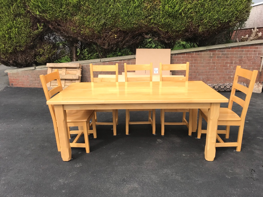 Solid Oak dining table and 8 seats