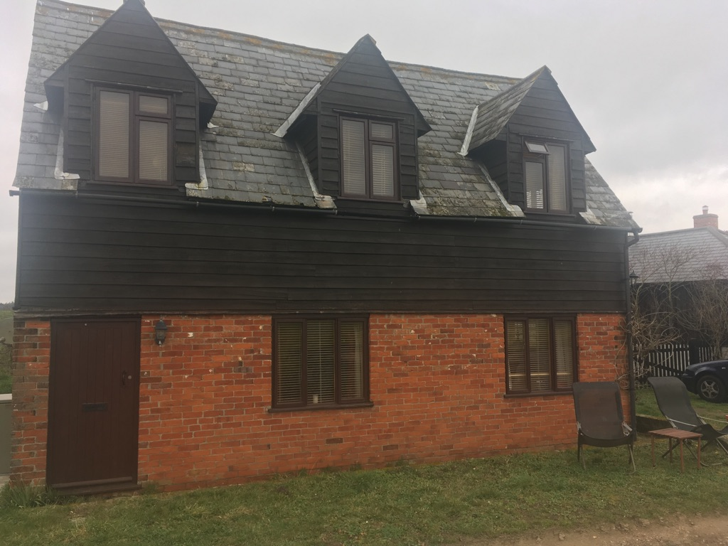 Double room to rent in Higham