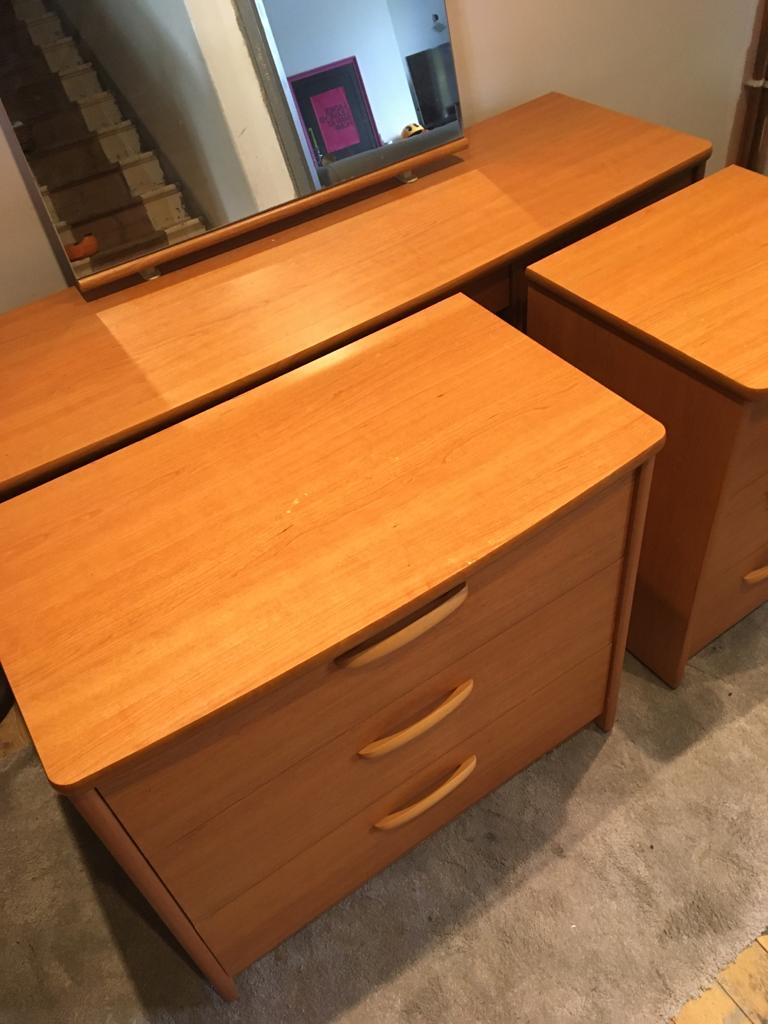 Chest of drawers & matching bedside
