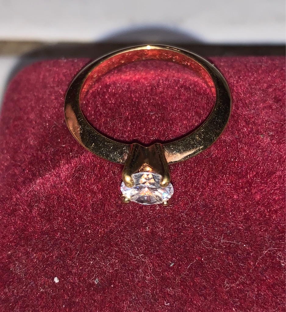 Vintage 1 carat CZ Size 7 Ring