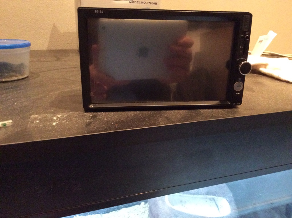Double din touch screen radio