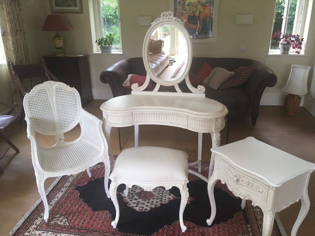 Shabby chic ivory bedroom set