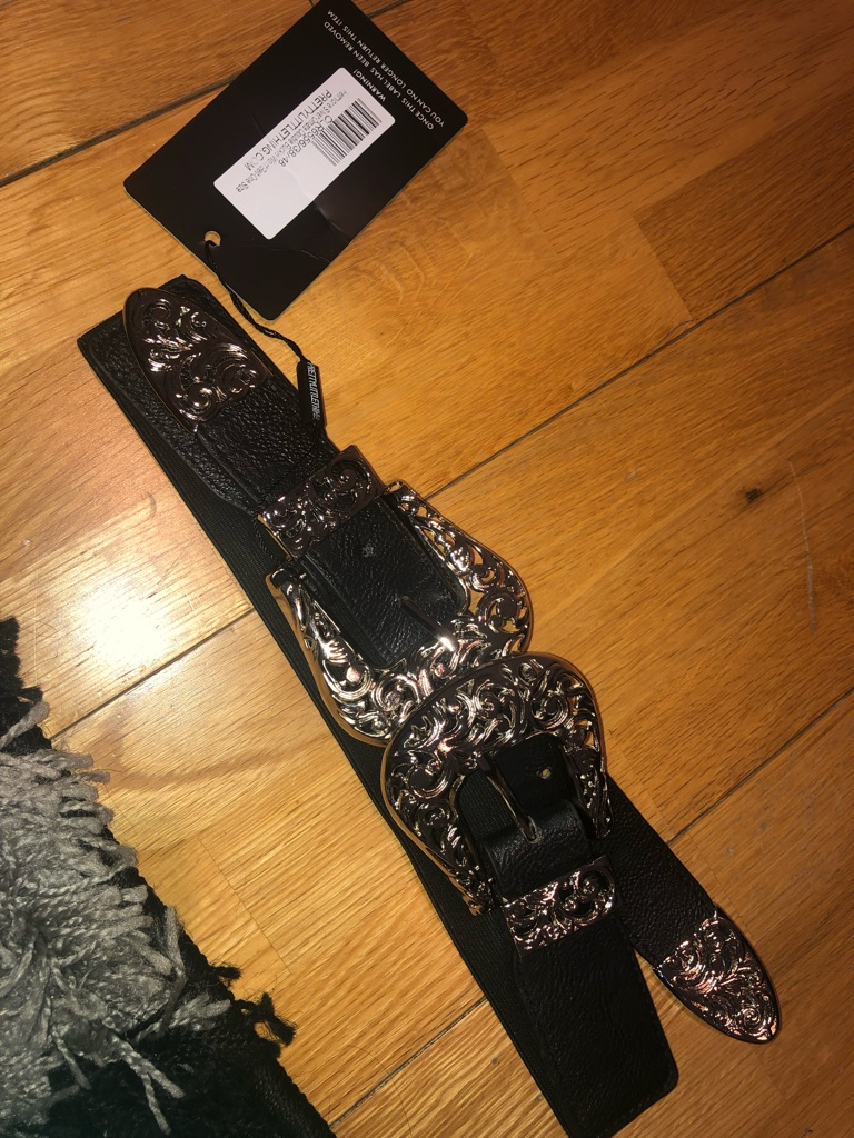 Pretty little thing double buckle waist belt
