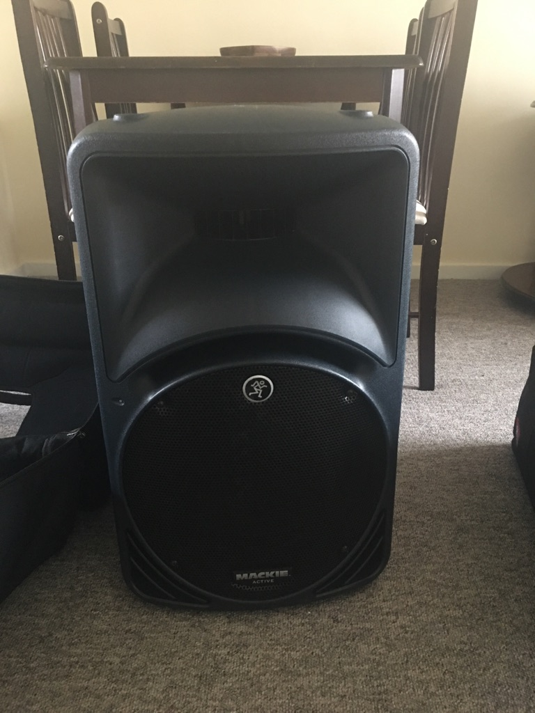 Pair of MACKIE SRM 450 speakers