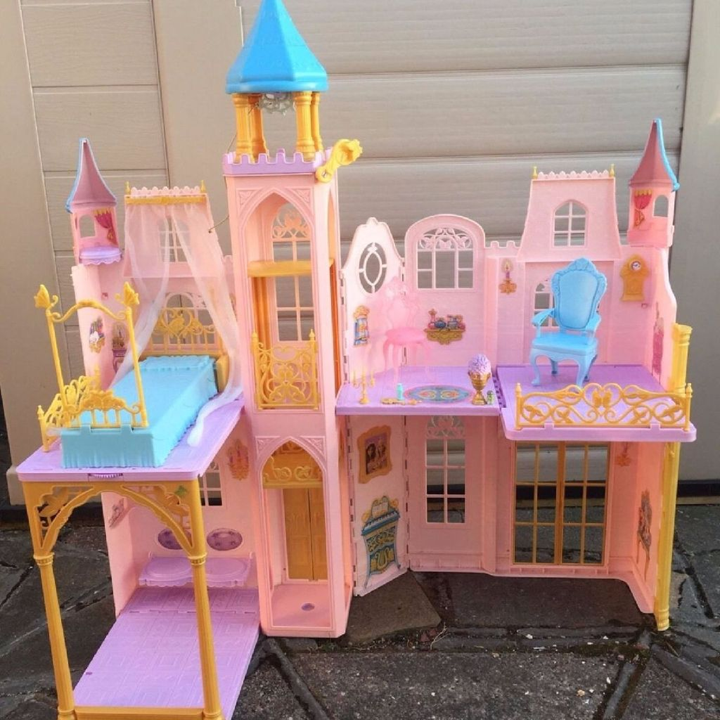 Barbie Doll Princess The Pauper Mattel 2004 Music Royal Palace Castle Toy House