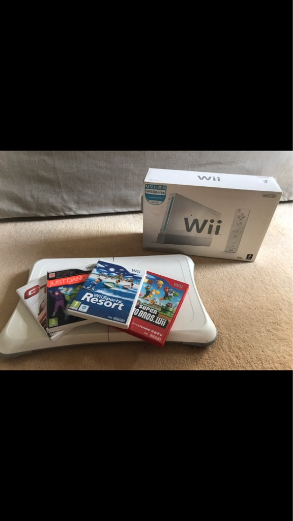 Nintendo Wii, Wii Fit Board and Games