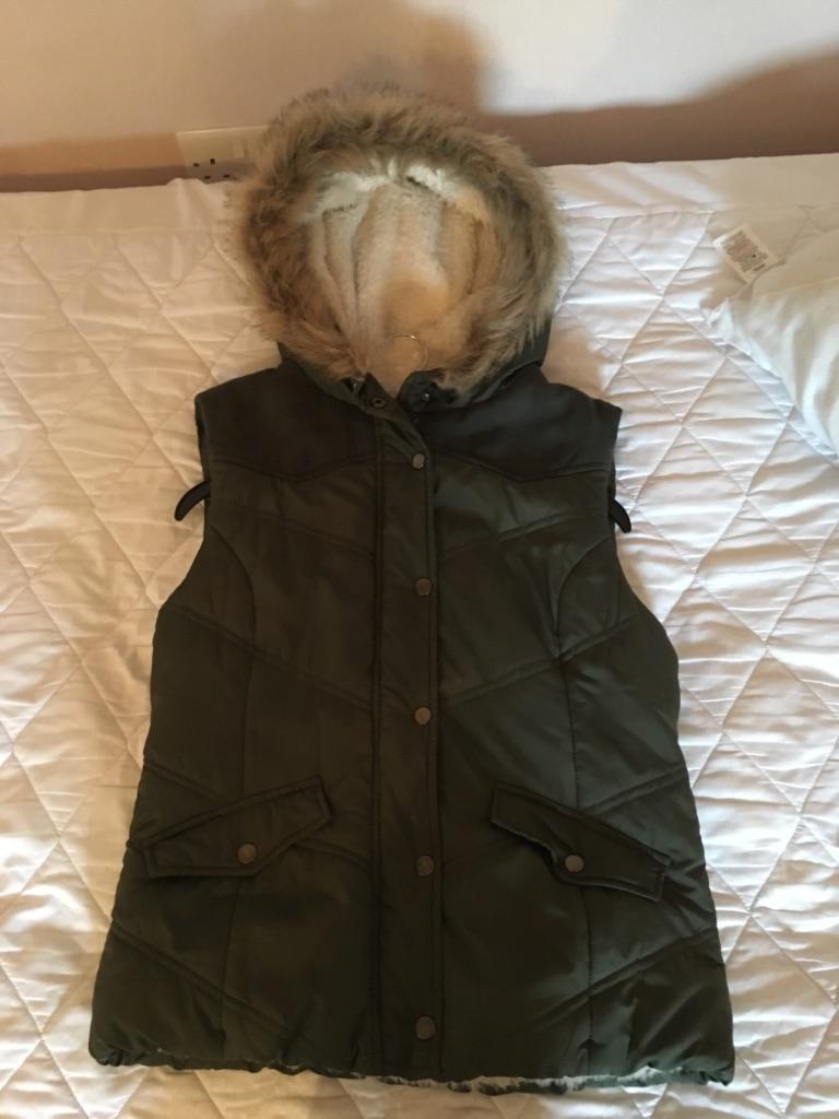 DP Green Waistcoat UK10