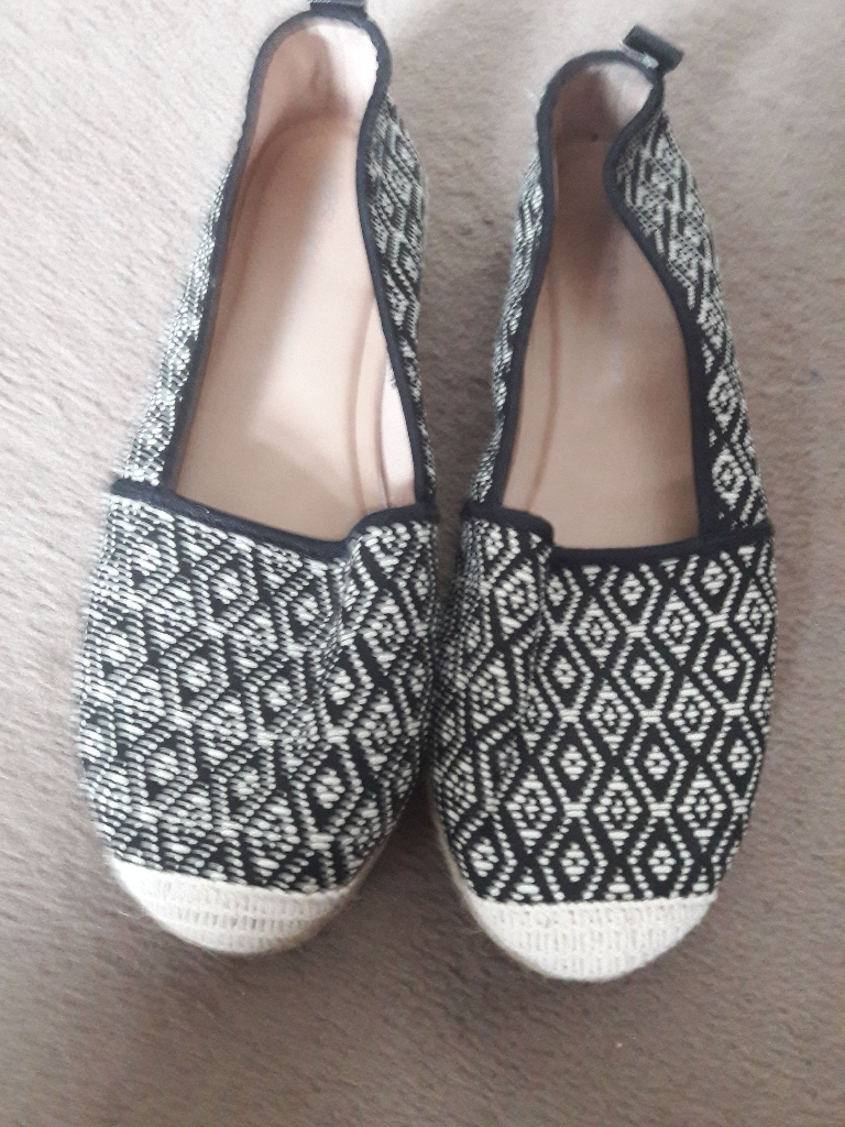 Black and white shoes size 6 from marks and Spencer.