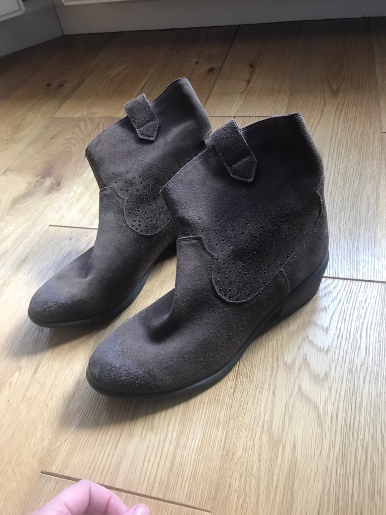 Boots-Clarks