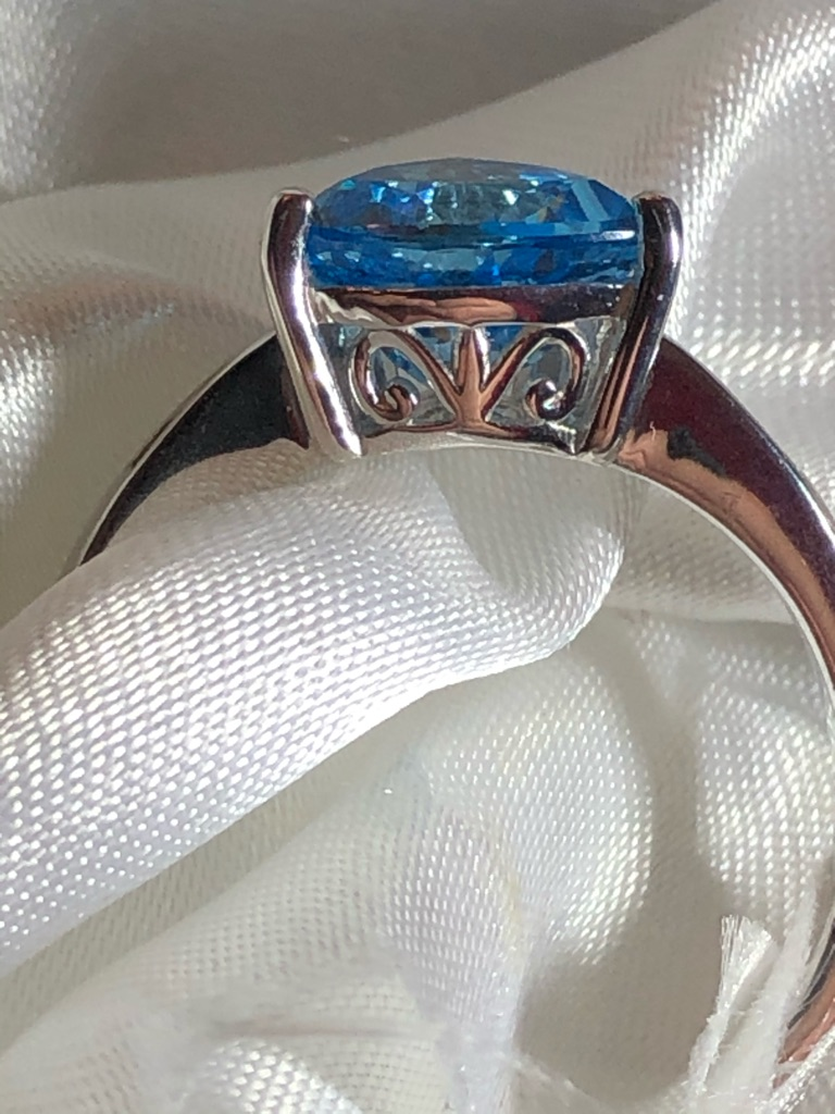 Swiss blue topaz diamonds size S sterling silver 925 with platinum overlay new