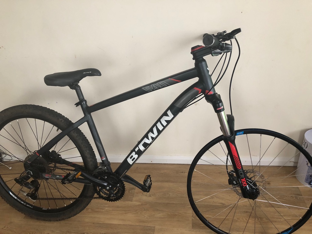 Btwin 540 rockrider mountain bike with hydraulic disc brakes