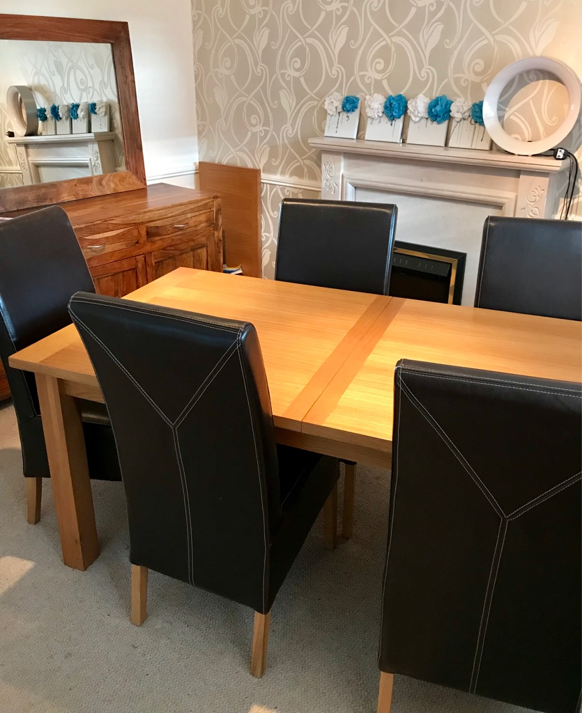Solid oak table & 6 leather brown chairs