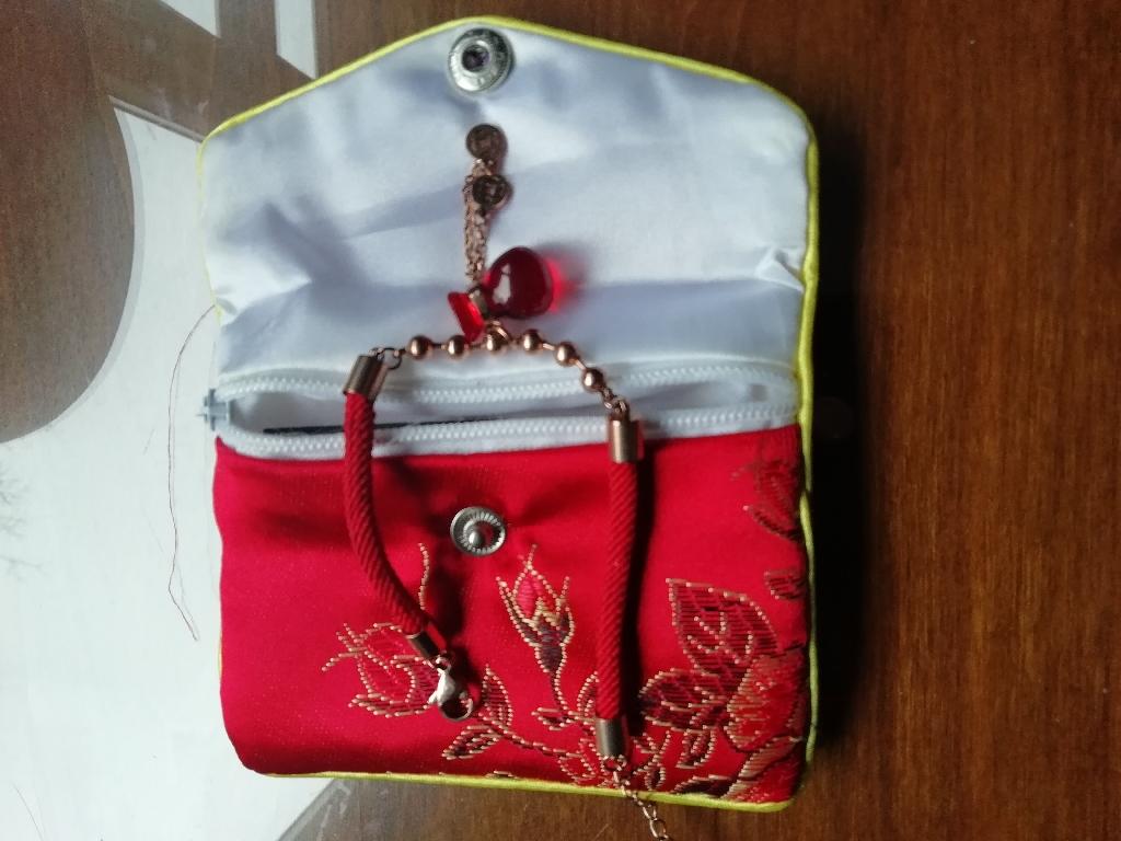 Pi Yao garnet bracelet with pouch