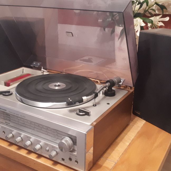 Vintage Sharp Sterio Music Venter SG-220E