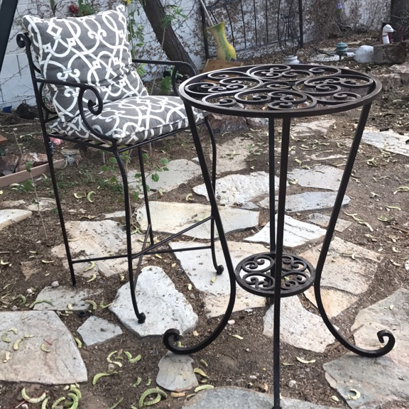 Garden cast iron table and chair