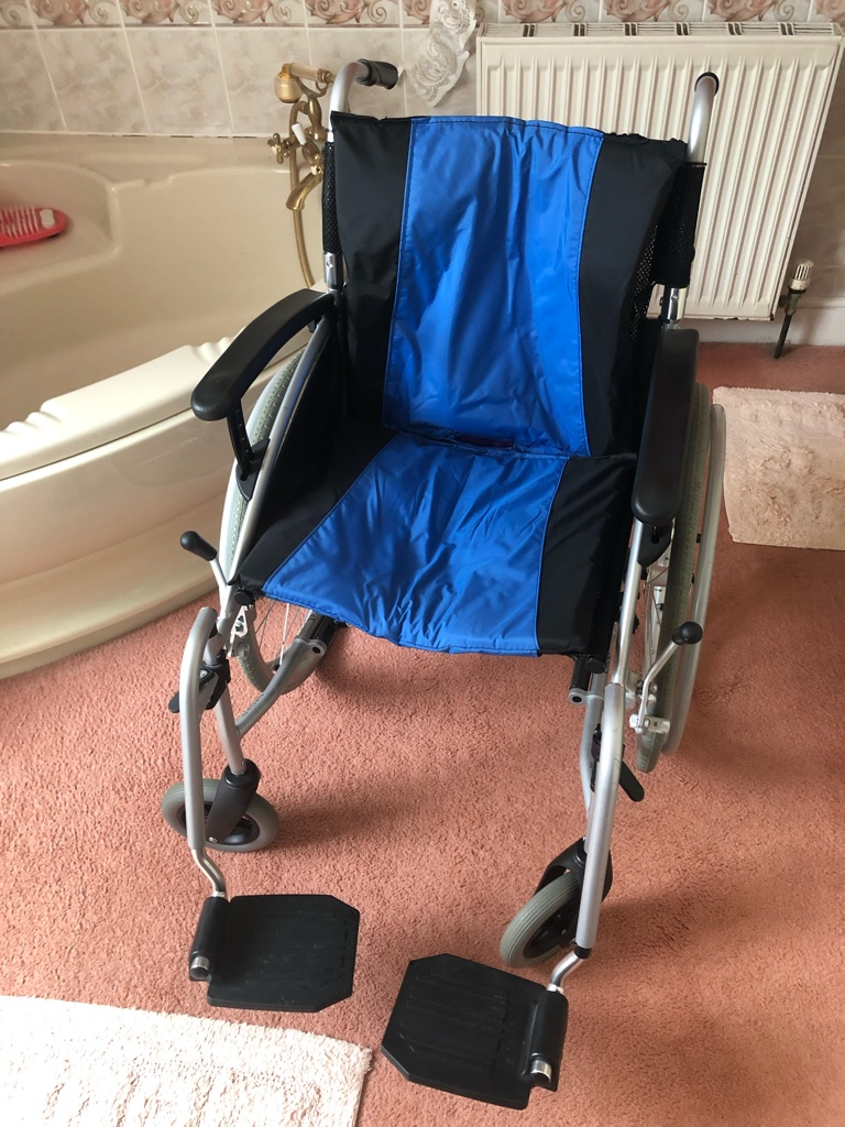 G LITE ALUMINIUM frame wheelchair as new!!