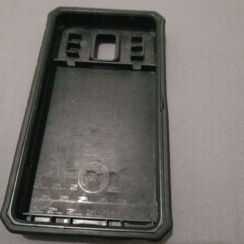 Galaxy Note 4 with case and battery too
