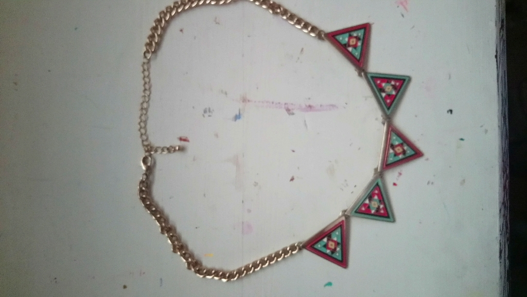 New Look Geometric Statement Necklace