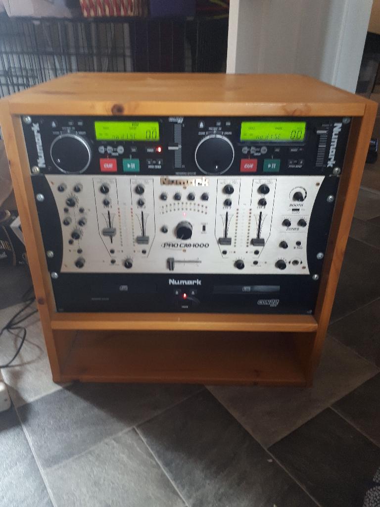 Numark dual cd player and dj/club mixer.
