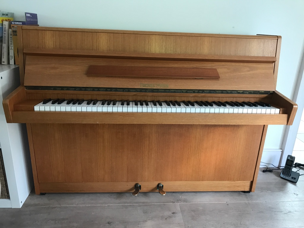 Fuchs & Mohr upright piano