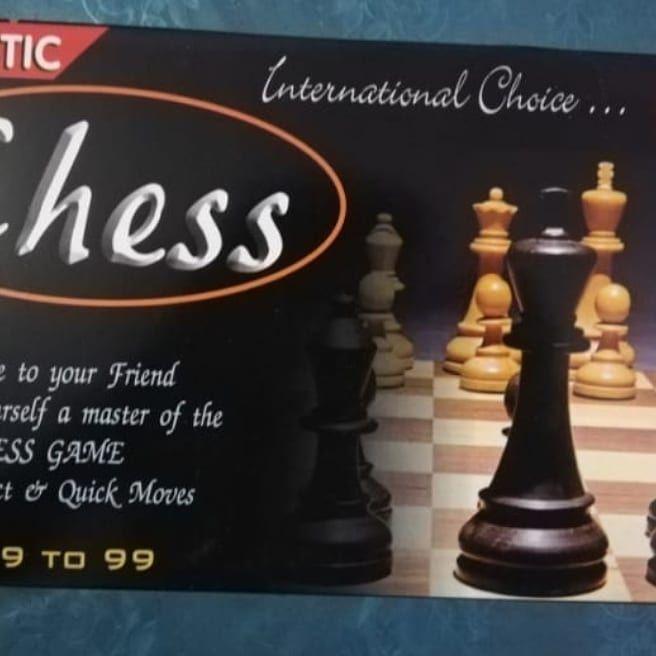 Megnatic chess board